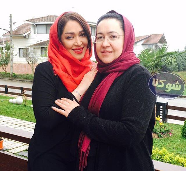 عکس مادر سارا منجزی,عکس سارا منجزی و مادرش