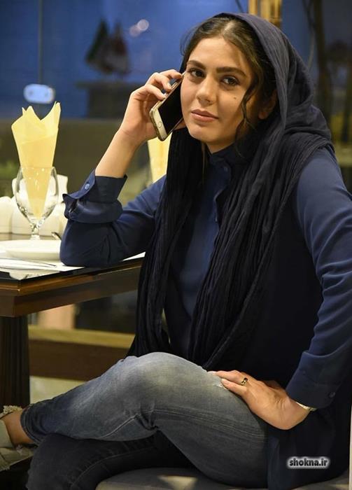 Azadeh zarei 5 - بیوگرافی آزاده زارعی و همسرش و عکس های خانواده
