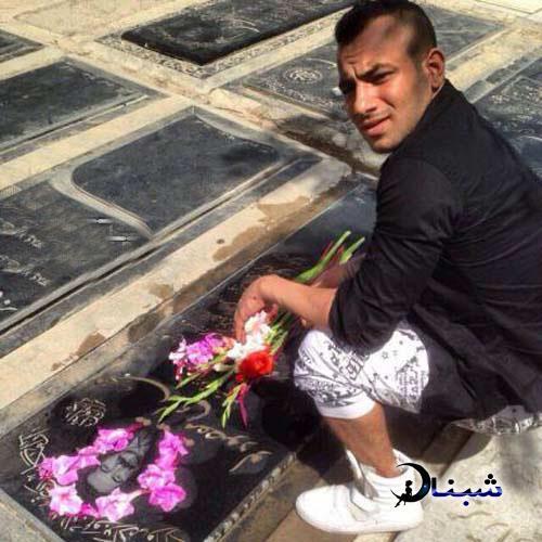 بیوگرافی امیر تتلو,قبر پدر امیر تتلو