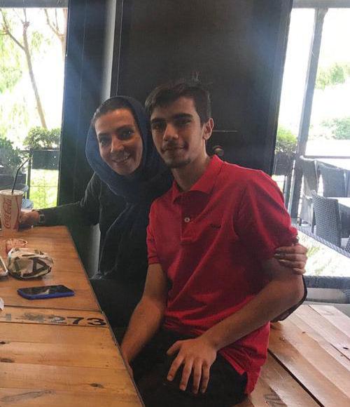 سهی بانو ذوالقدر بازیگر سریال وارش در کنار پسرش