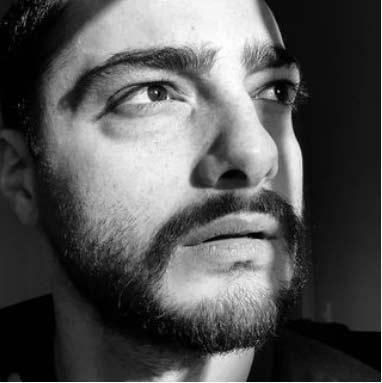 سجاد بابایی بازیگر نقش دانیال سریال زندگی زیباست